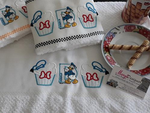 Combo 3 Panos de Prato Atoalhado Bordado Coleção Cupcake Donald