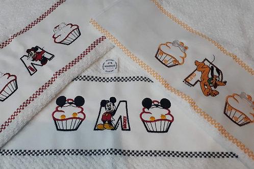 Combo 3 Panos de Prato Atoalhado Bordado Coleção Cupcake Mickey e Amigos