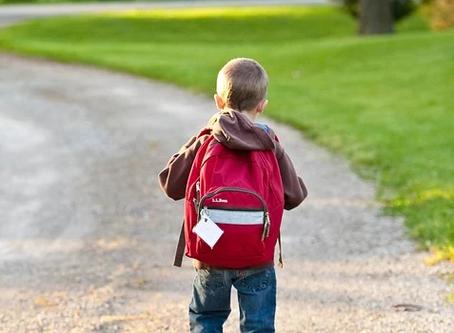 Volta às aulas: como evitar que o seu filho tenha problemas na coluna.