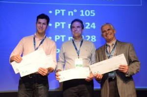 Dr Luiz Pimenta recebe prêmio durante o Congresso Brasileiro de Coluna