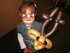 face painting balloon reindeer Christmas party Geist