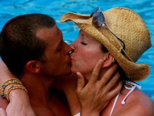 5 Ways to Make it HOTT with yourSpouse