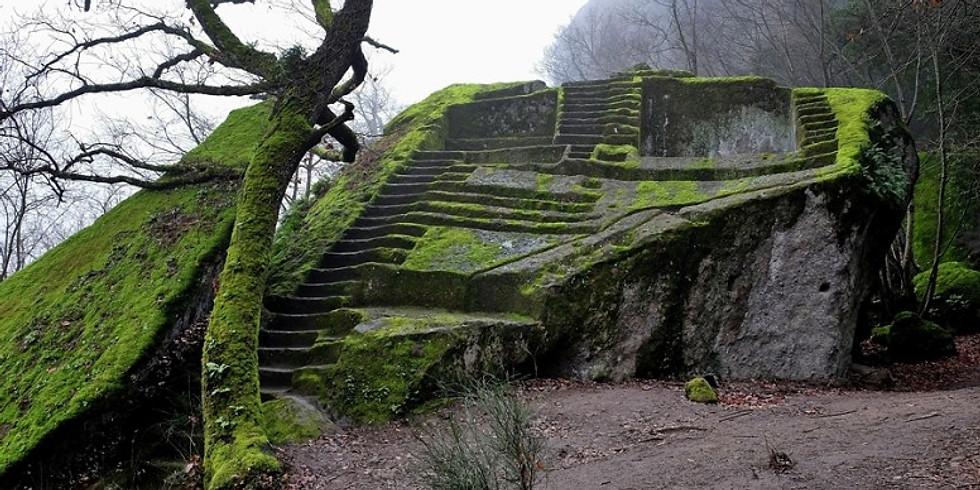 La Piramide etrusca, le cascate di Chia, la torre e Pasolini