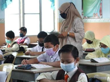Pembukaan sesi sekolah: Apa pendapat warga pendidik?