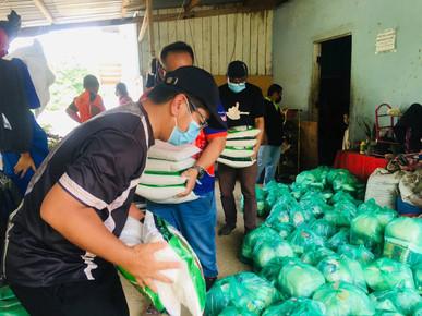 Ewon delivers donations in Mukim Lasau