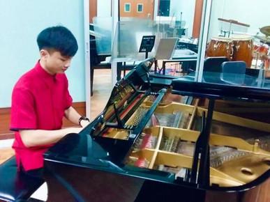 DARI BERMAIN PIANO, KINI TERJUN KE DUNIA USAHAWAN