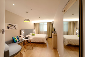 apartment-bed-bedroom-chair-271624.jpg