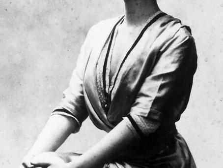 La elegancia presentada en el diseño de moda del siglo XX.