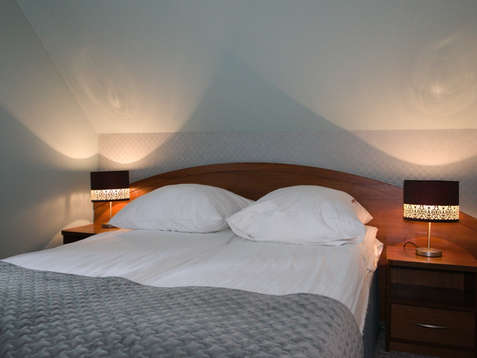 Pokój hotelowy, sypialnia premium w Walcerku