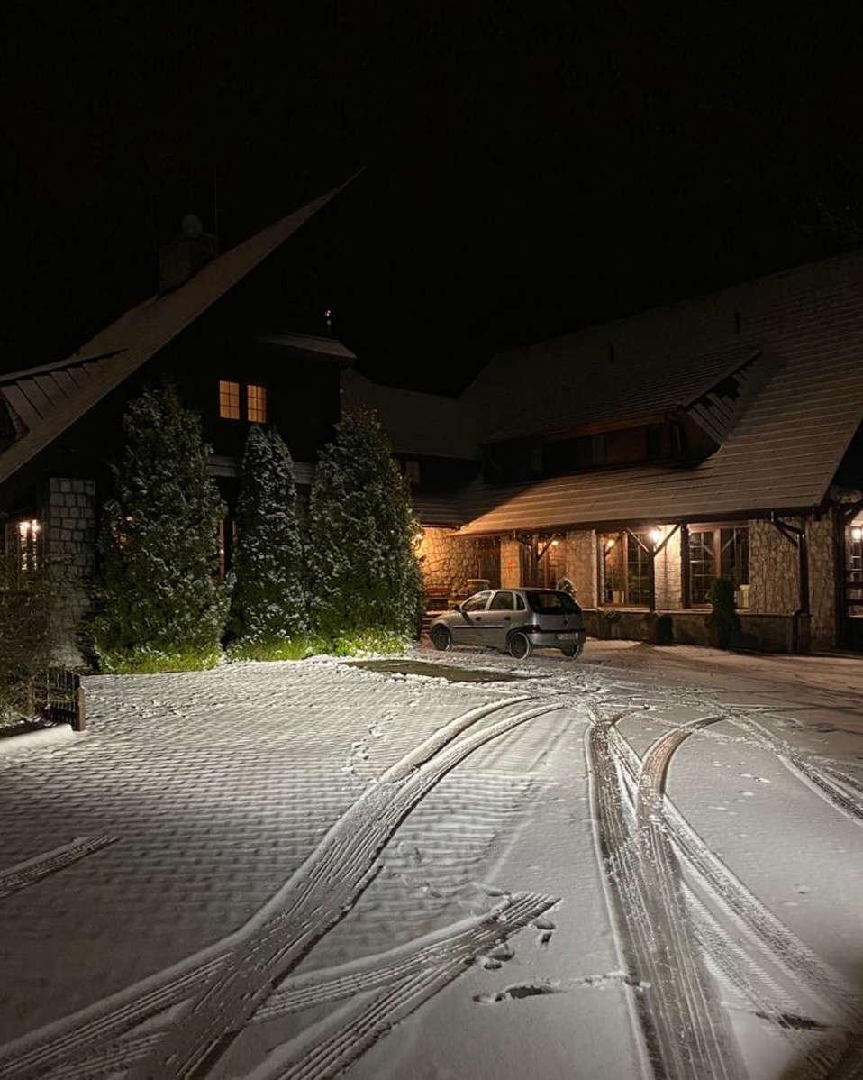 Pierwszy śnieg w hotelu Walcerek