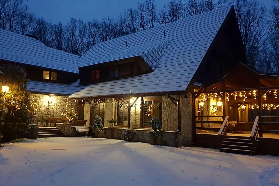 Zimowy wieczór w hotelu