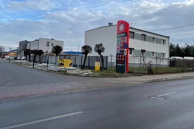 Stacja_paliw_Zareba_Murowana_Goslina_wja