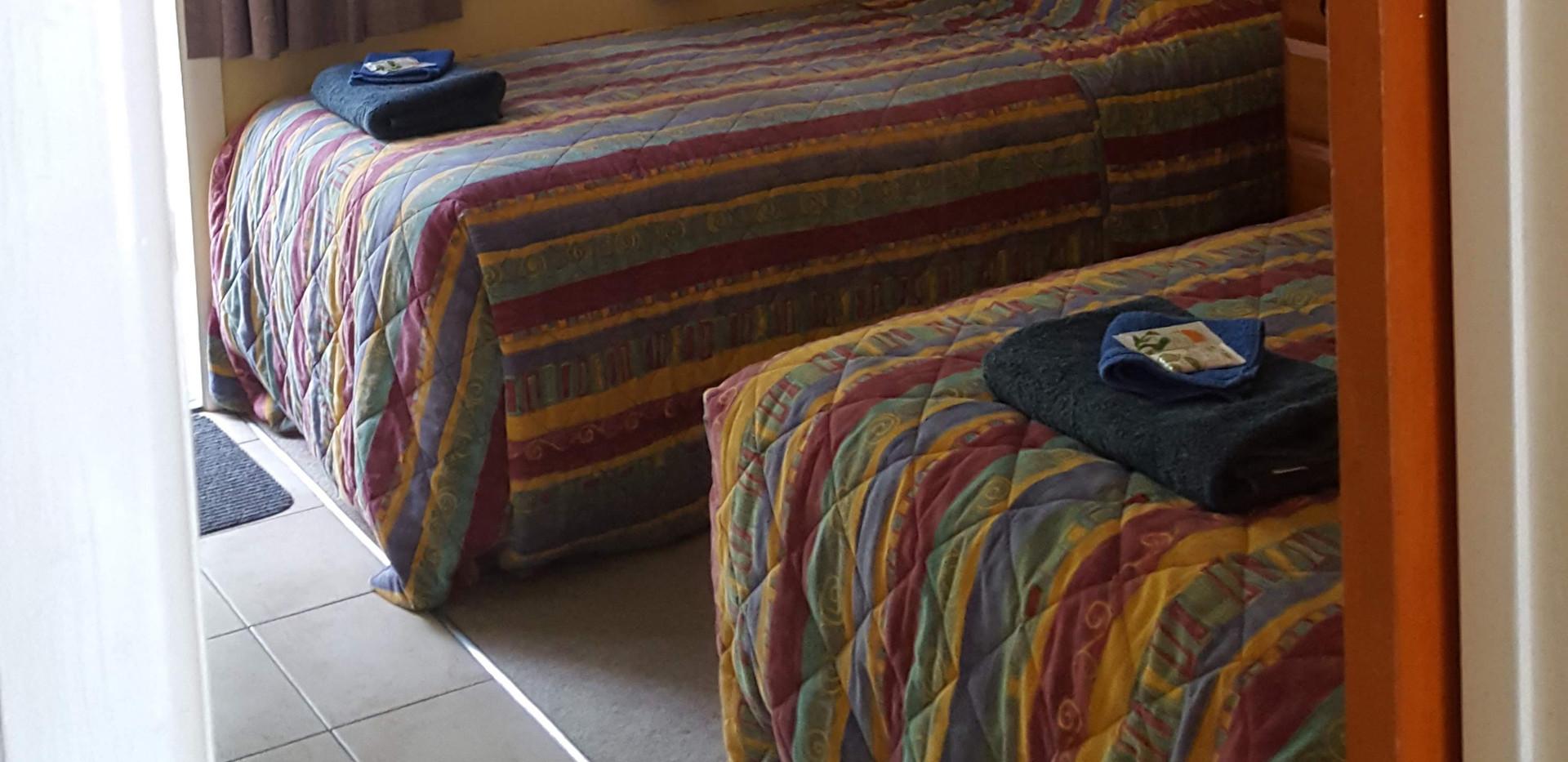 Seaspray Motel 2 bedroom unit second bedroom