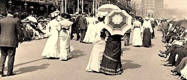 Victorian pre-dinner promenade