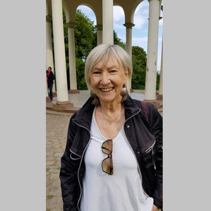 Adelheid Omiotek