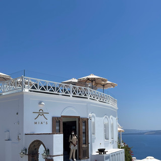 Εστιατόριο Mia's-Σαντορίνη: Η ελληνική κουζίνα με τη ματιά της σεφ Αυγερίας Σταπάκη
