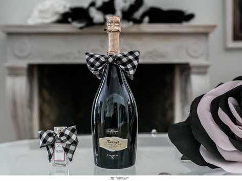 """14 famous Greek designers transform """"One and Only"""" prosecco into a work of art for a good cause"""