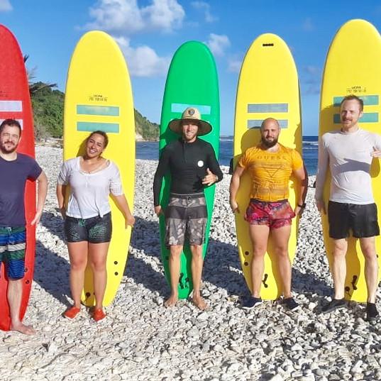Ecole de Surf de Guadeloupe  Super cours de surf en groupe