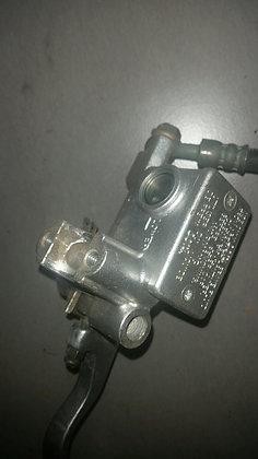 Maître cylindre de freins AVANT DRZ 400