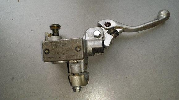 maitre cylindre de frein avant 450 rmz 2006