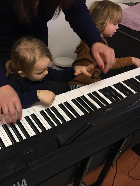 Lezioni di musica con Serena.jpeg