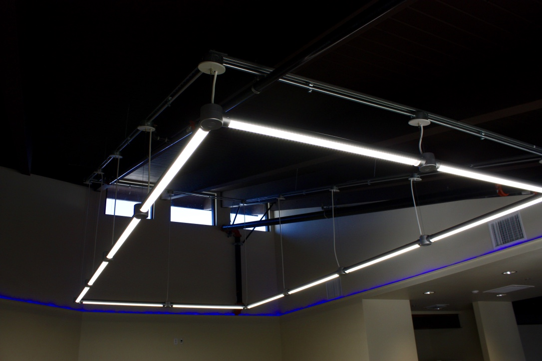 Industrial Style lighting & ceiling