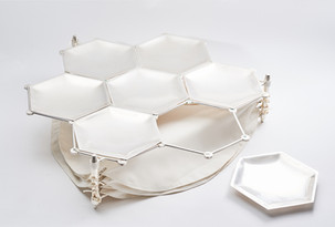 Seder Passover Plate in a honeycomb pattern, 1989