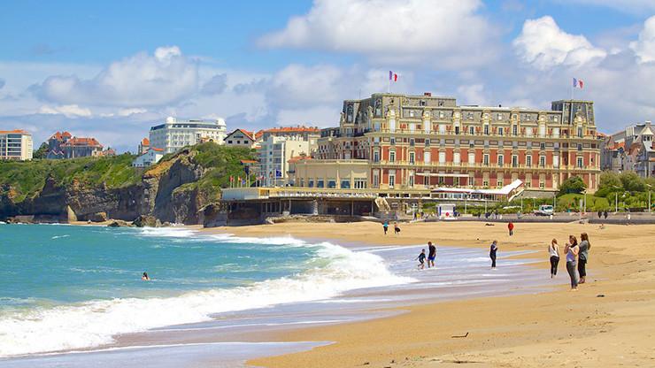 Biarritz-frança-Looks-feminino-Personal Stylist BH-consultoria estilo-imagem-personal shopper
