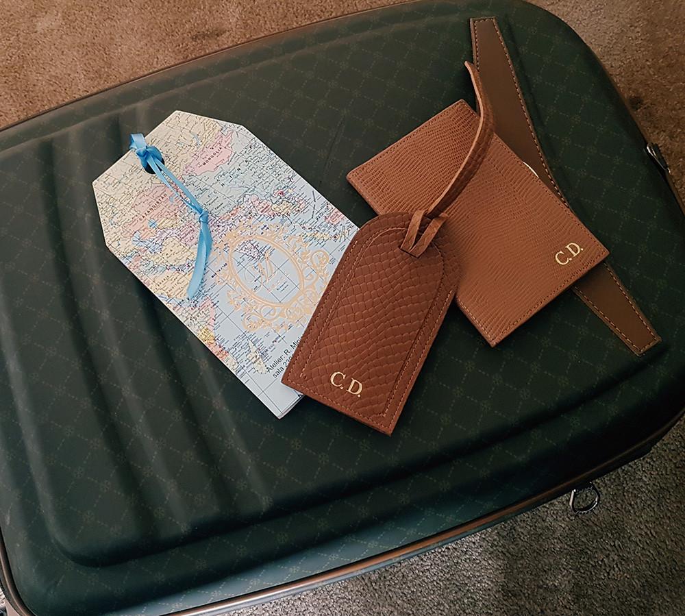 Organização de Malas Personal Stylist BH Tag Porta Passaporte Personalizados Merci With Love