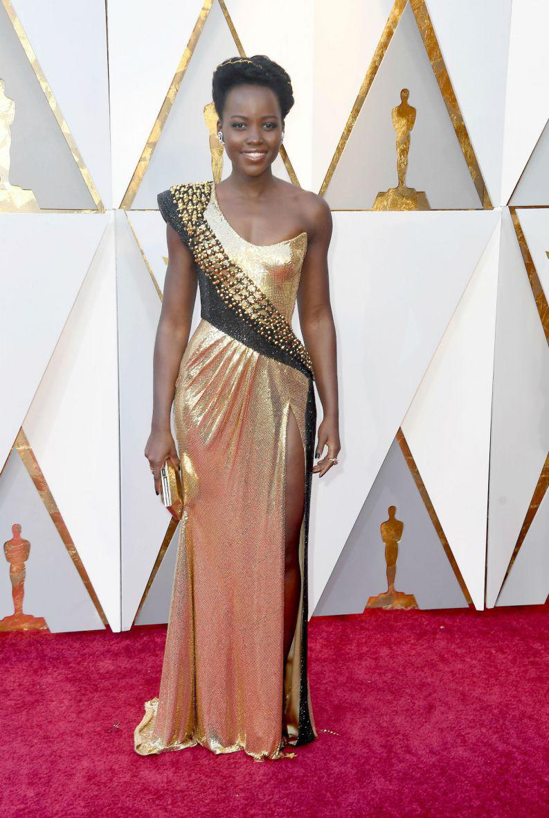 Oscar 2018 Personal Stylist BH Consultoria de Estilo e Imagem Lupita Nyong'o Atelier Versace