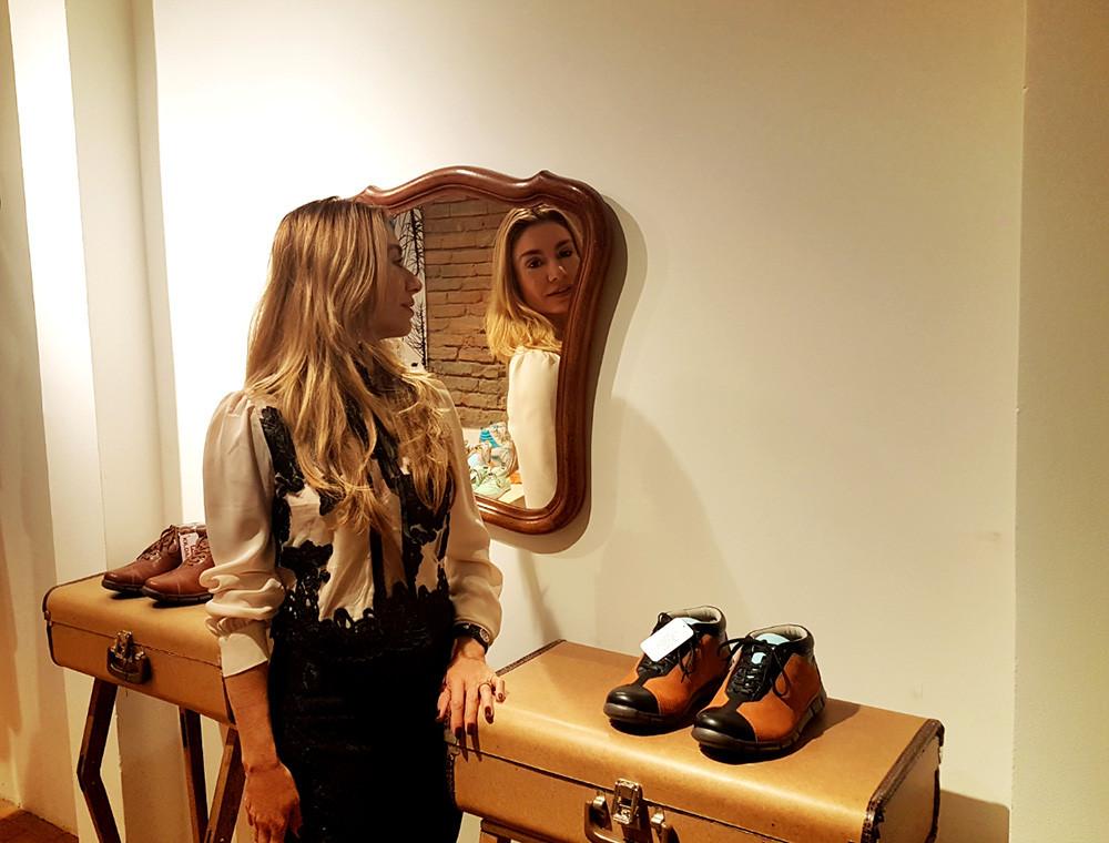A personal stylit Caroline Demolin em Grande Hotel Ronaldo Fraga