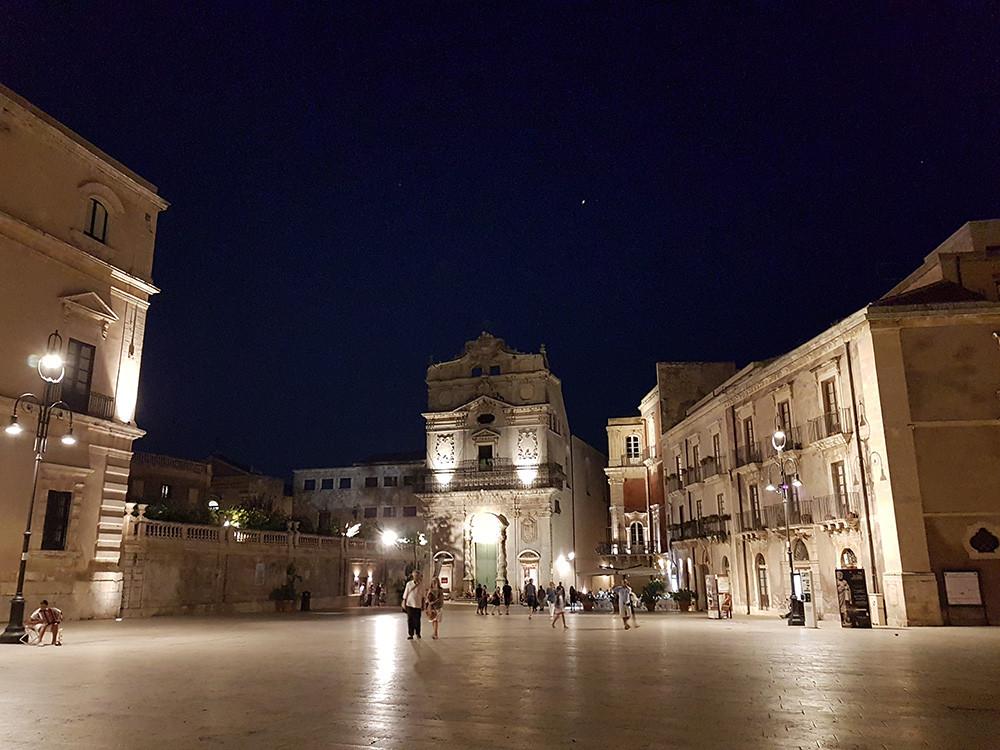 Dicas de Viagem, moda e estilo. Praça Duomo Siarcusa Itália