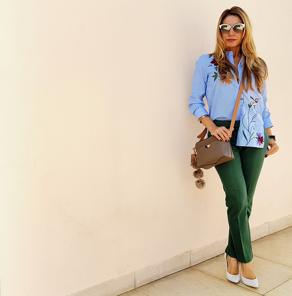 Personal-Stylist-BH-Looks-feminino-camisa listrada bordada-scarpin branco