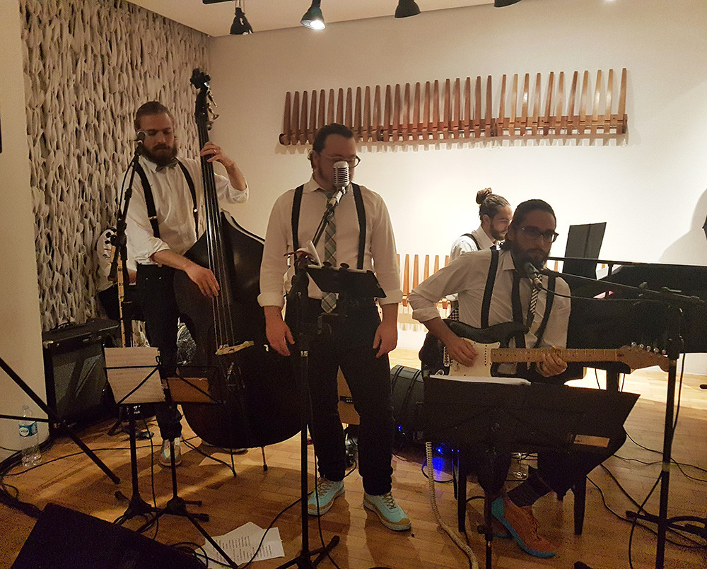 Off White Band em Grande Hotel Ronaldo Fraga