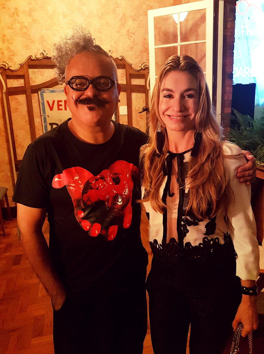 Ronaldo Fraga e a Personal Stylist Caroline Demolin