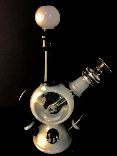 Window rig with horn and marble