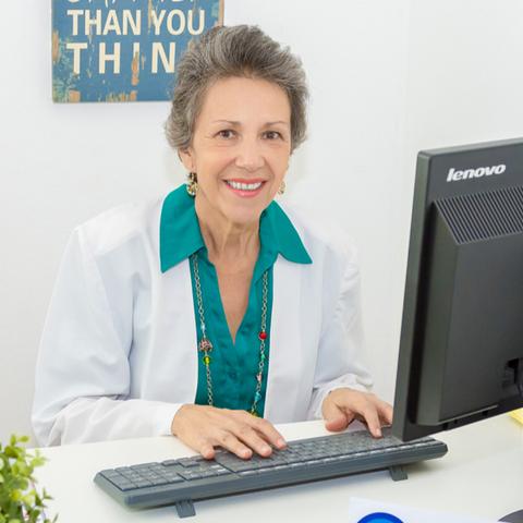 Dra. Ana Luckert | Olas de Salud
