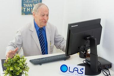 Dr. Max Sánchez - Médico de Olas de Salud