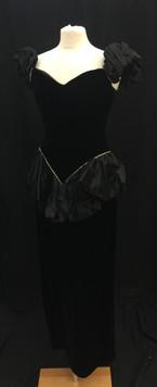 chest 34 waist 30 black velvet with puff