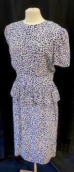 Chest 40 - blue short sleeve patterned.j
