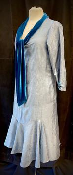 Chest 38 sleeve light blue with dark blue bow