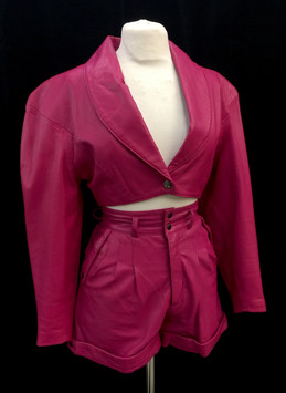 Chest 32 - pink leather.jpg