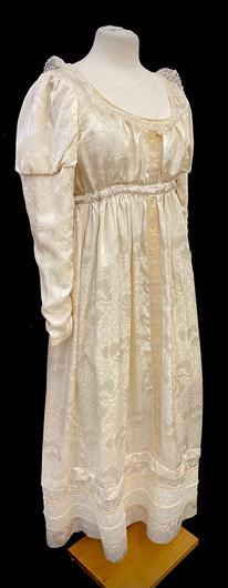 chest 38 waist 31 cream gown puff sleeve