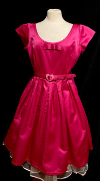 Chest 40 - Hot Pink short sleeve.jpg