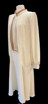 Chest 44 - off white high neck long slee
