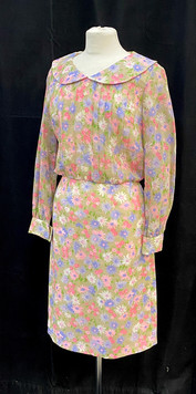 Chest 34 - Long sleeve floral day dress.