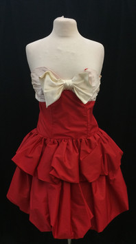 Chest 30 strapless white and red.jpg