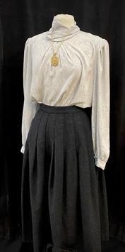 Shirt XL - Skirt waist 26.jpg