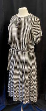 Chest 38 - B&W stripe short sleeve day d
