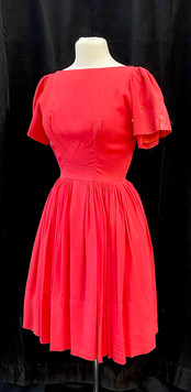 Chest 28 Waist 24 1940s pink day dress.j